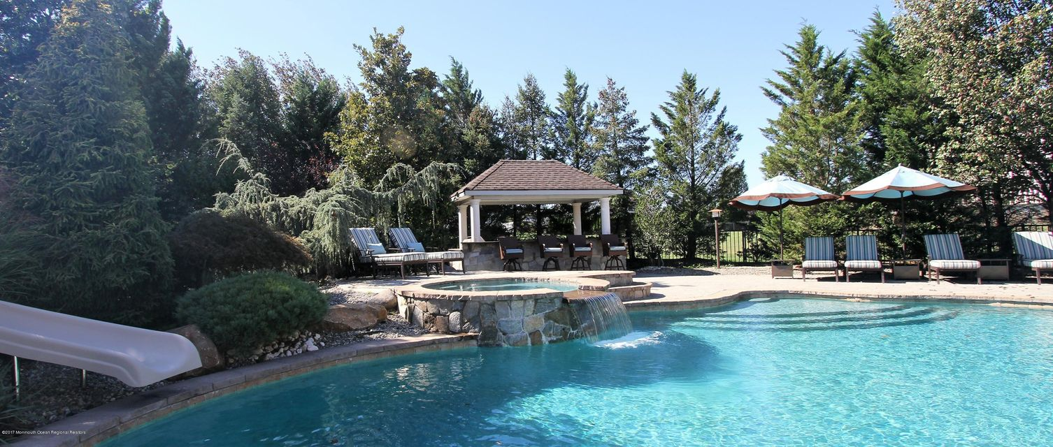 ADDITIONAL POOL VIEW