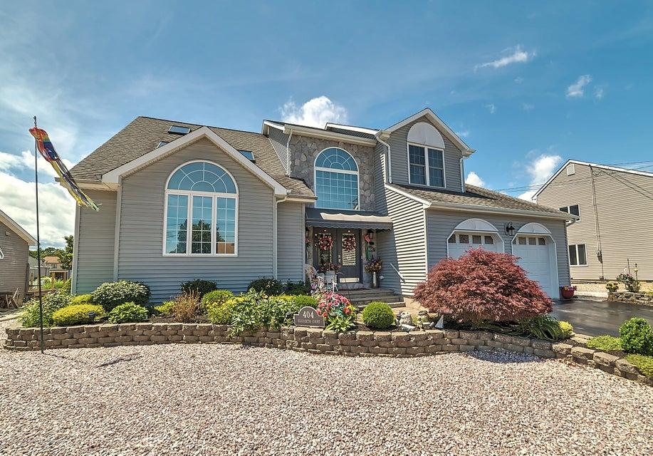 Single Family Home for Sale at 404 Elizabeth Court 404 Elizabeth Court Lanoka Harbor, New Jersey 08734 United States