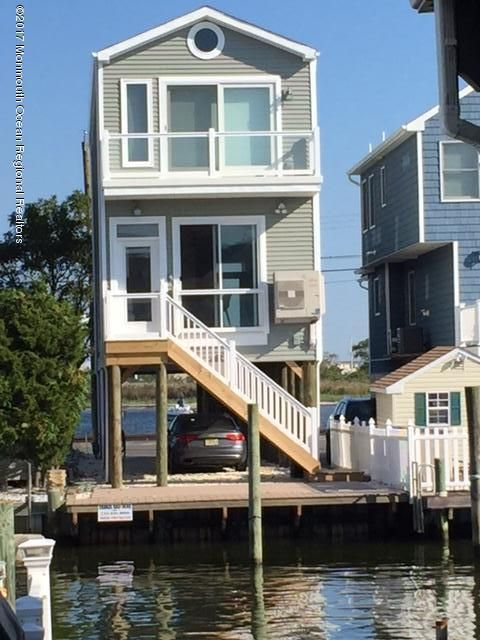 Casa Unifamiliar por un Alquiler en 221 O Street 221 O Street Seaside Park, Nueva Jersey 08752 Estados Unidos