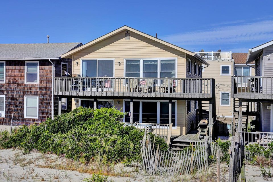 Multi-Family Home for Sale at 202 Stratford Avenue 202 Stratford Avenue Beach Haven, New Jersey 08008 United States
