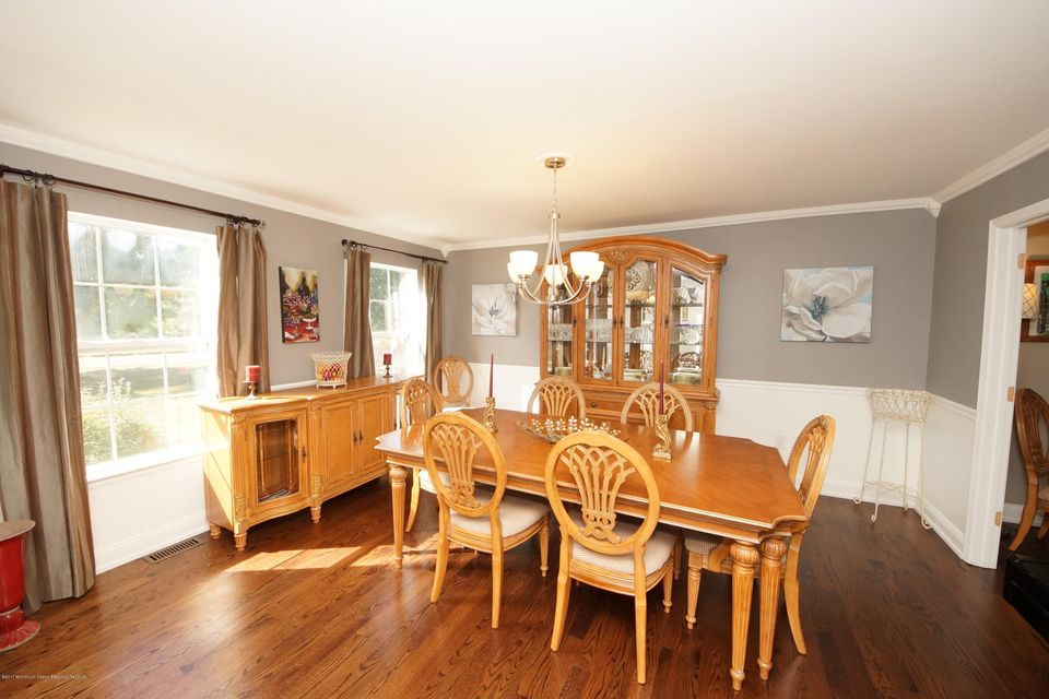 7-Dining Room-27 Galloping Brook Dr