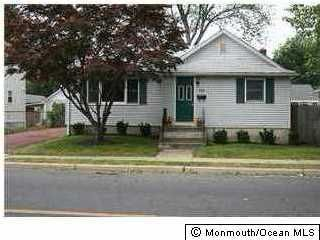 Single Family Home for Rent at 119 Ocean Avenue 119 Ocean Avenue Middletown, New Jersey 07748 United States