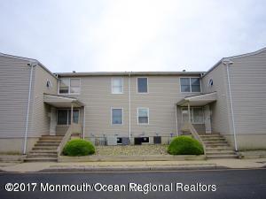 Condominio por un Alquiler en 213 Main Street 213 Main Street Keansburg, Nueva Jersey 07734 Estados Unidos
