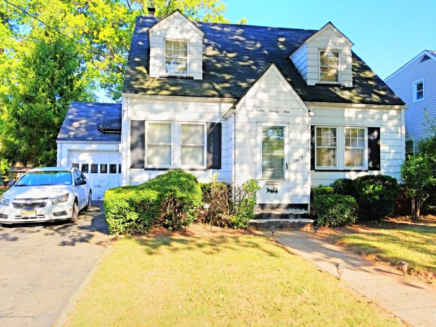 Single Family Home for Sale at 1229 Magnolia Place 1229 Magnolia Place Union, New Jersey 07083 United States