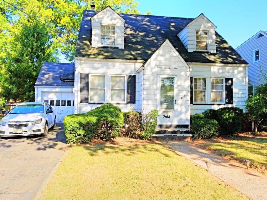 Maison unifamiliale pour l Vente à 1229 Magnolia Place 1229 Magnolia Place Union, New Jersey 07083 États-Unis