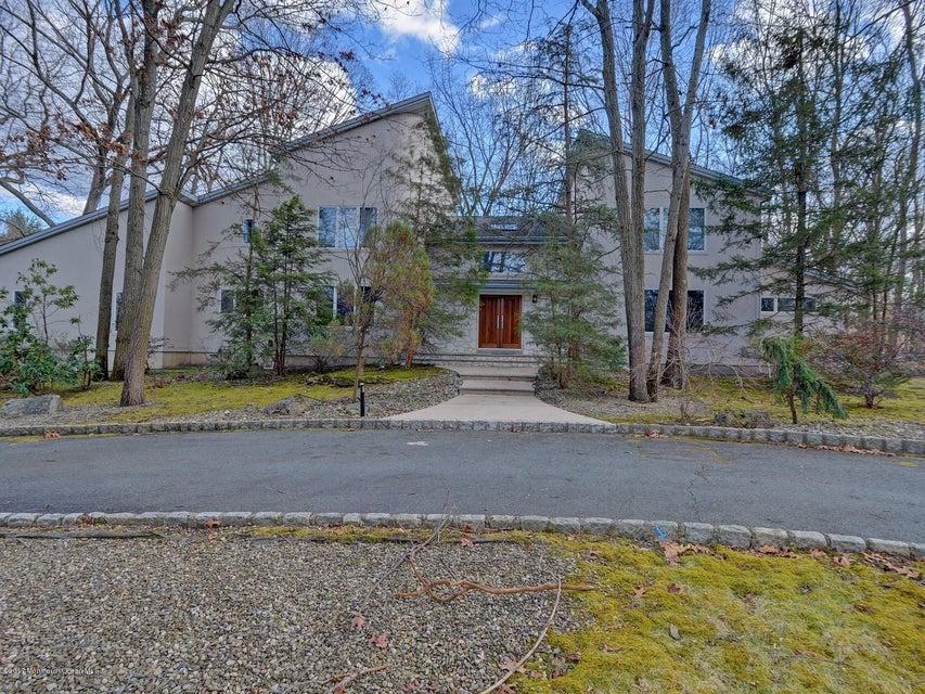 Casa para uma família para Venda às 5 Beaverdam Drive 5 Beaverdam Drive East Brunswick, Nova Jersey 08816 Estados Unidos