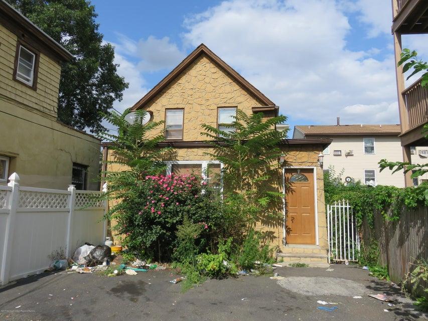 Maison unifamiliale pour l Vente à 543 Jersey Street 543 Jersey Street Elizabeth, New Jersey 07206 États-Unis