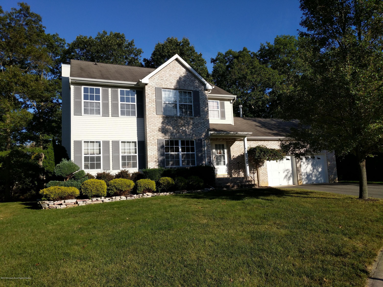 Maison unifamiliale pour l Vente à 11 Edie Lane 11 Edie Lane Howell, New Jersey 07731 États-Unis