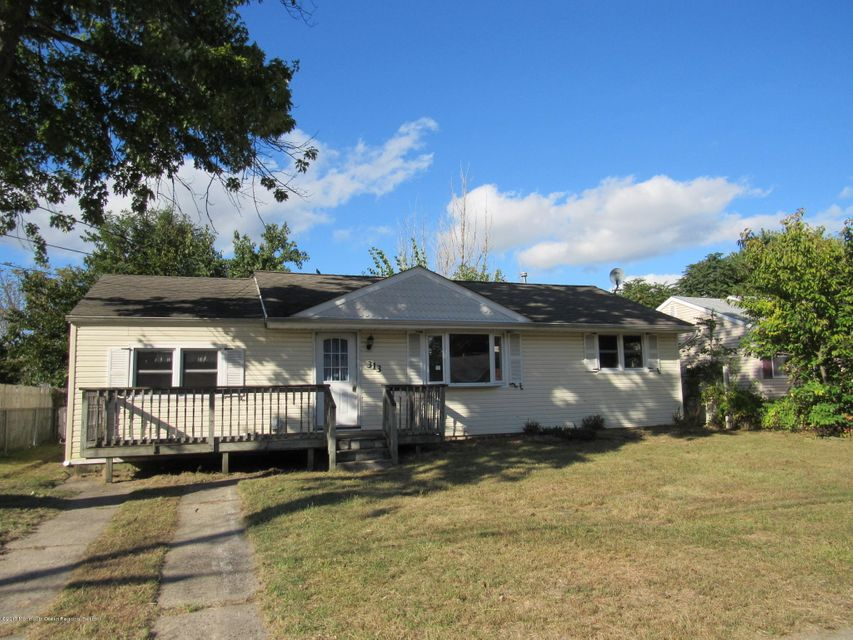 Single Family Home for Sale at 313 Maple Street 313 Maple Street Lakehurst, New Jersey 08733 United States