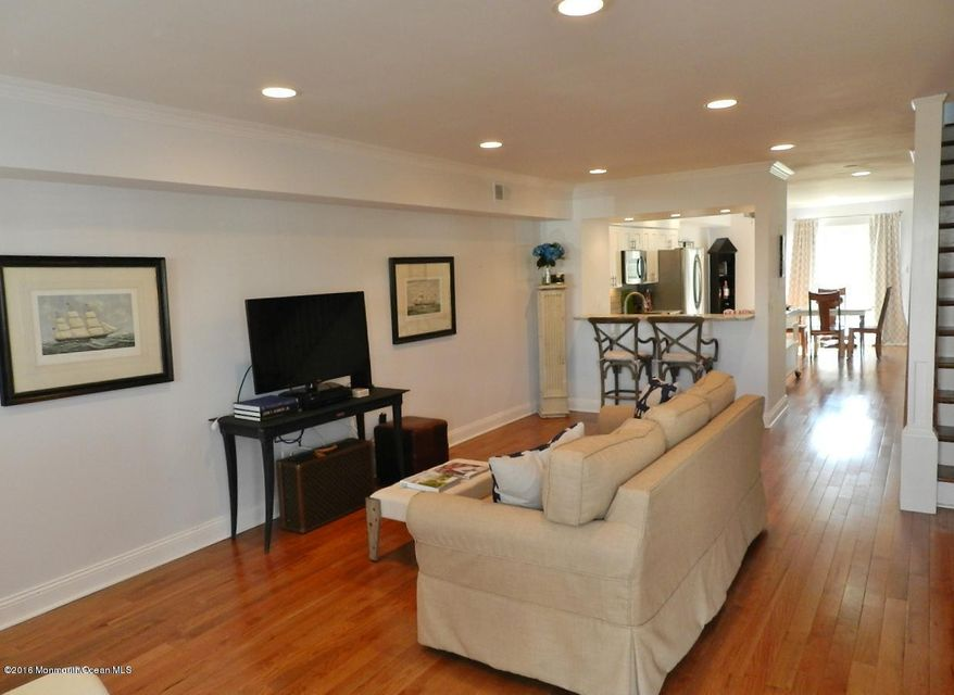 Condominio por un Alquiler en 25 Meadow Avenue 25 Meadow Avenue Monmouth Beach, Nueva Jersey 07750 Estados Unidos