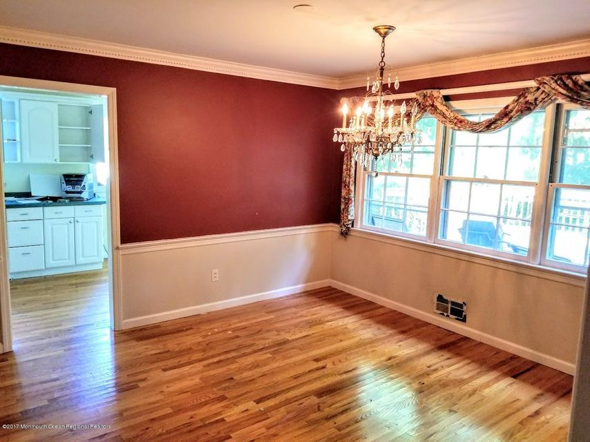 Additional photo for property listing at 69 Dutch Lane Road 69 Dutch Lane Road Freehold, New Jersey 07728 Amerika Birleşik Devletleri