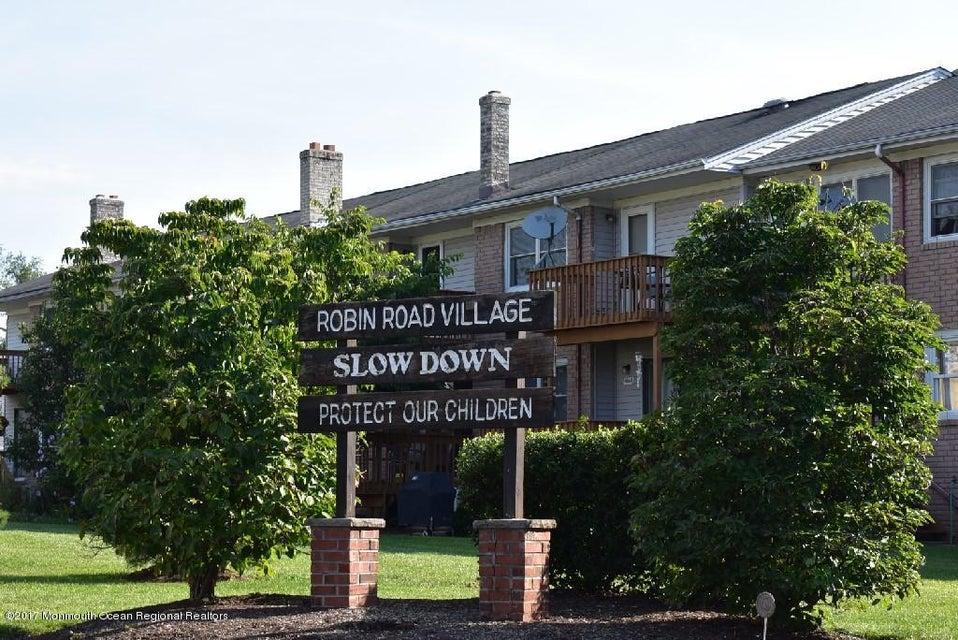 独户住宅 为 销售 在 930 Robin Road 930 Robin Road 希尔斯堡, 新泽西州 08844 美国