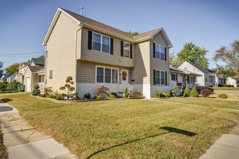 独户住宅 为 销售 在 3241 Washington Road 3241 Washington Road Parlin, 新泽西州 08859 美国