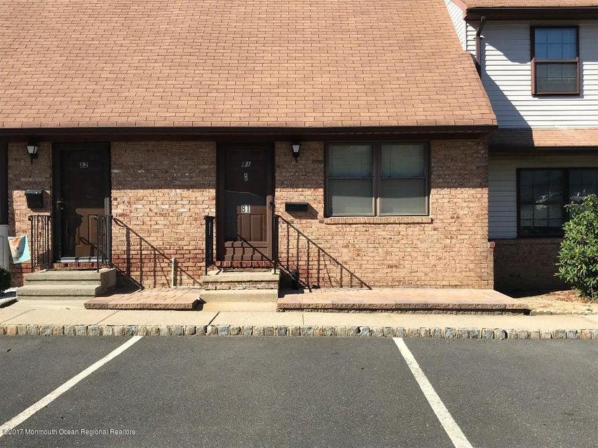 Appartement en copropriété pour l à louer à 81 Village Green Way 81 Village Green Way Hazlet, New Jersey 07730 États-Unis