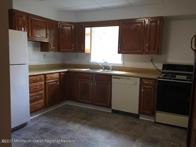 独户住宅 为 出租 在 137 Woodland Avenue 137 Woodland Avenue 肯斯堡市, 新泽西州 07734 美国
