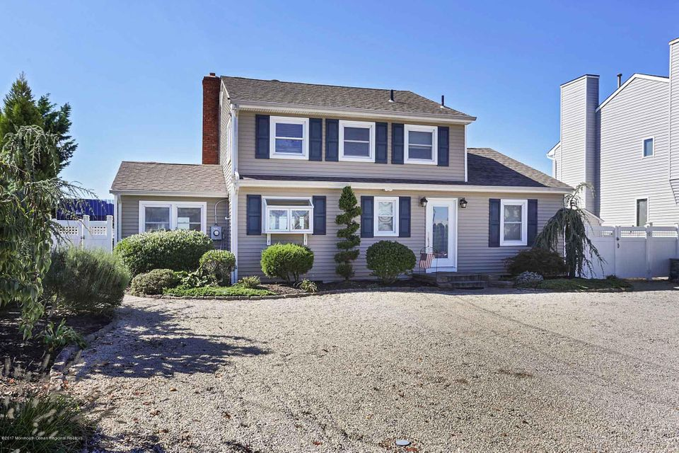 Single Family Home for Rent at 243 Shore Drive 243 Shore Drive Toms River, New Jersey 08753 United States