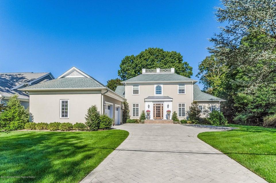 Villa per Vendita alle ore 42 Grange Avenue 42 Grange Avenue Fair Haven, New Jersey 07704 Stati Uniti