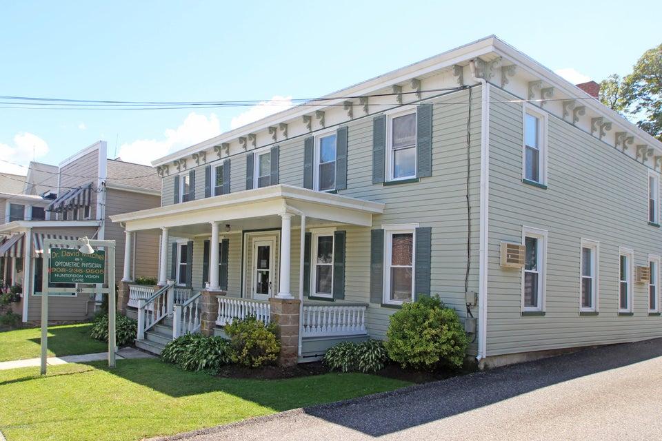 Maison multifamiliale pour l Vente à 81 Main Street 81 Main Street Lebanon, New Jersey 08833 États-Unis