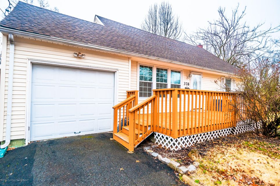 Single Family Home for Sale at 378 Colonia Boulevard 378 Colonia Boulevard Colonia, New Jersey 07067 United States