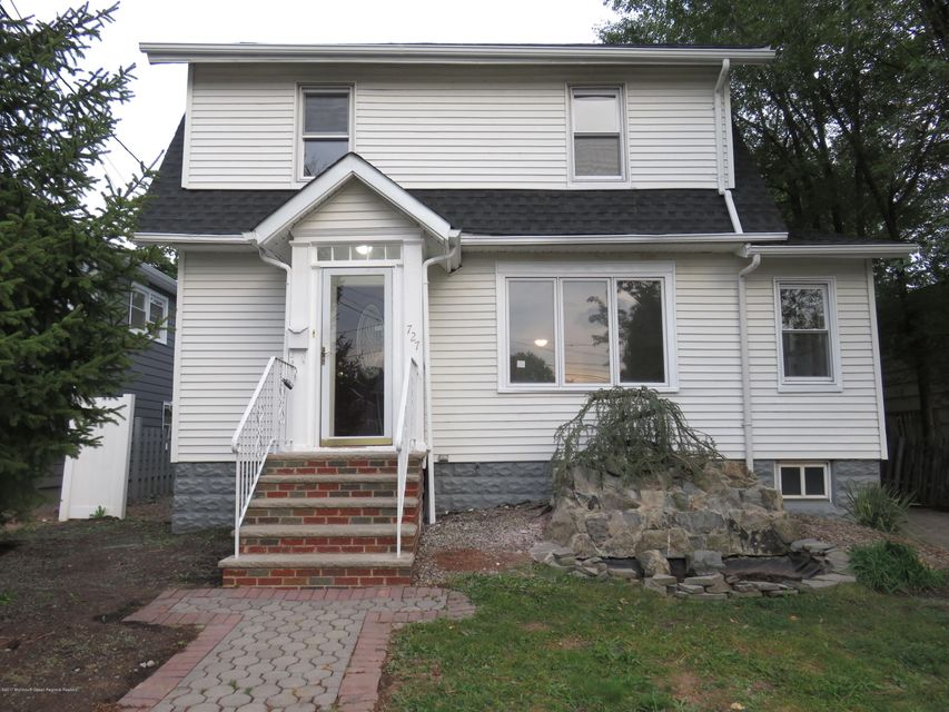 Single Family Home for Sale at 727 Baltimore Avenue 727 Baltimore Avenue Roselle, New Jersey 07203 United States