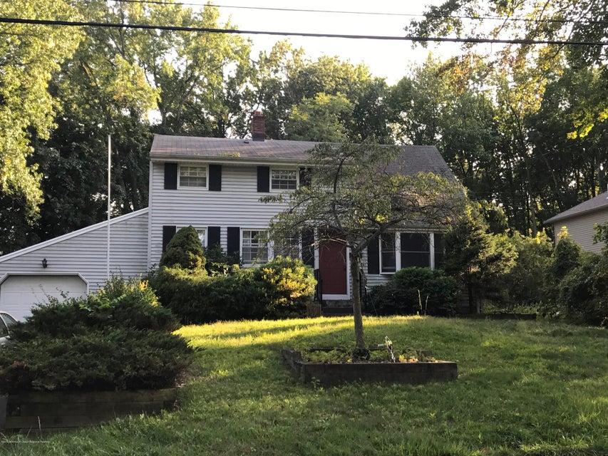 Maison unifamiliale pour l Vente à 12 Maplewood Drive 12 Maplewood Drive New Monmouth, New Jersey 07748 États-Unis