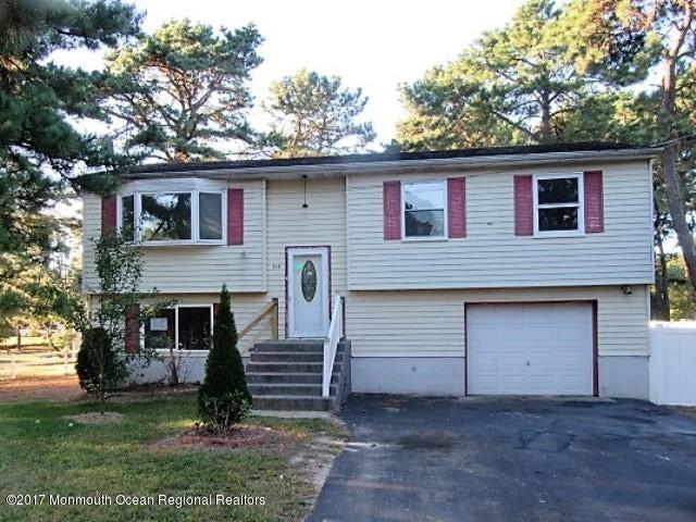 Villa per Vendita alle ore 318 Cherokee Drive 318 Cherokee Drive Browns Mills, New Jersey 08015 Stati Uniti