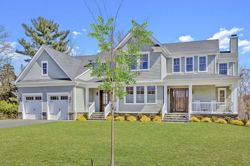 Maison unifamiliale pour l Vente à 32 Queens Drive 32 Queens Drive Little Silver, New Jersey 07739 États-Unis