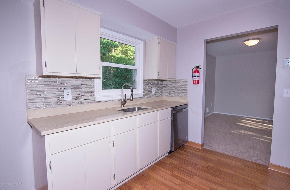 _RMJ8195.jpg kitchen