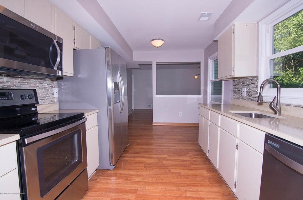_RMJ8204.jpg kitchen