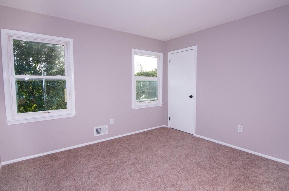 _RMJ8235.jpg 4th bedroom