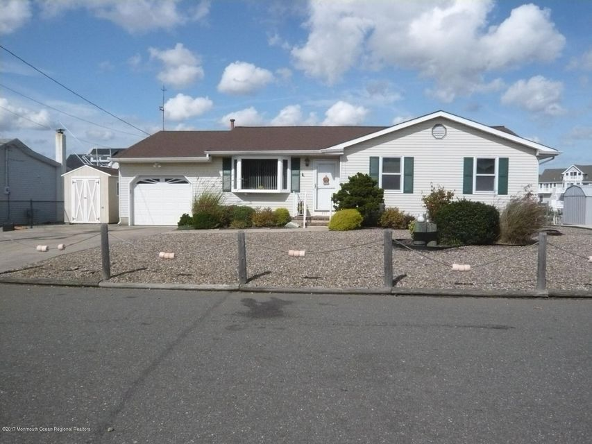 Single Family Home for Rent at 817 Forepeak Drive 817 Forepeak Drive Forked River, New Jersey 08731 United States