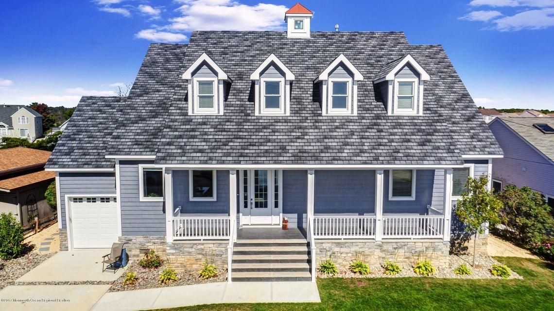 Maison unifamiliale pour l Vente à 37 Amherst Drive 37 Amherst Drive Bayville, New Jersey 08721 États-Unis