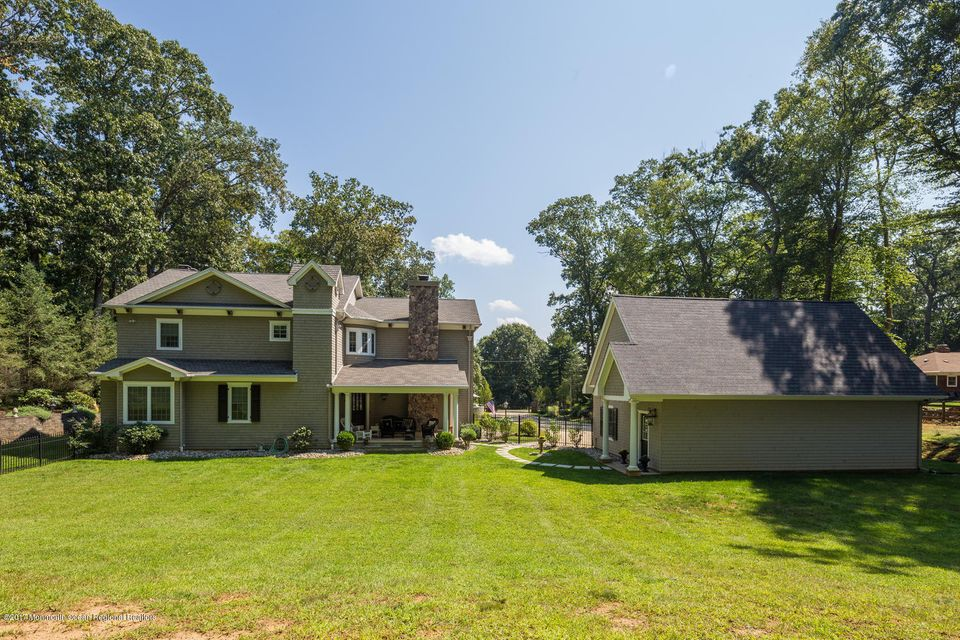 221 Heyers Mill Rd Colts Neck-large-006-