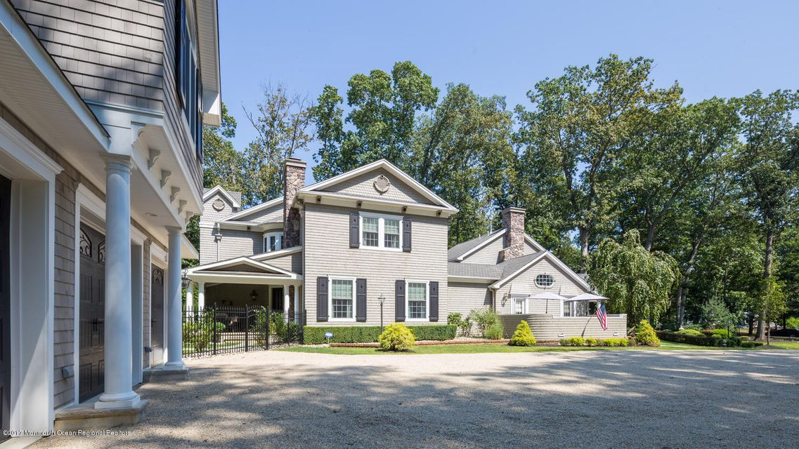 221 Heyers Mill Rd Colts Neck-large-008-