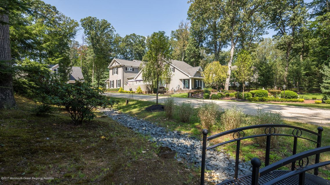 221 Heyers Mill Rd Colts Neck-large-011-