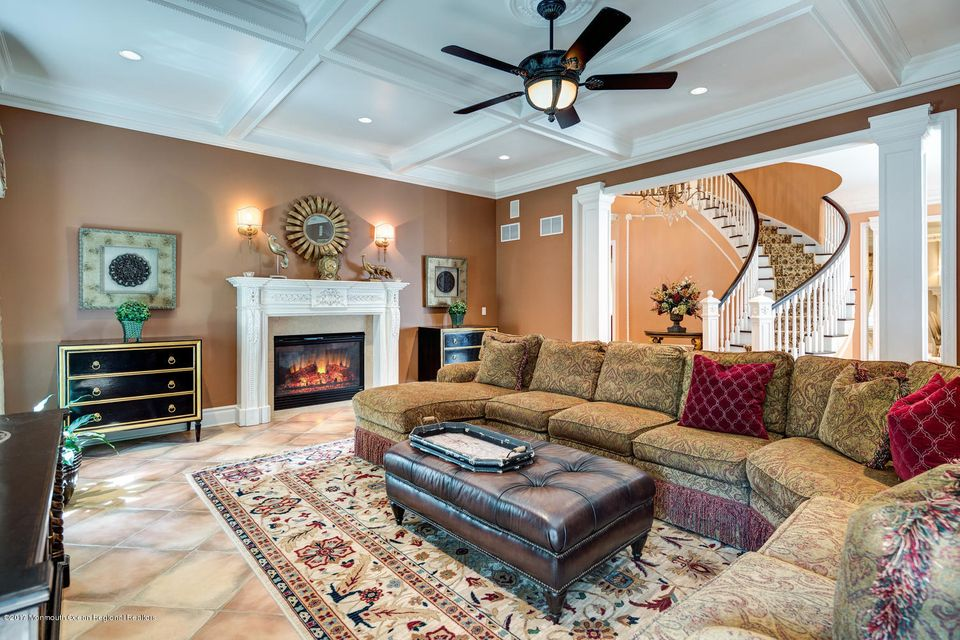221 Heyers Mill Rd Colts Neck-large-025-
