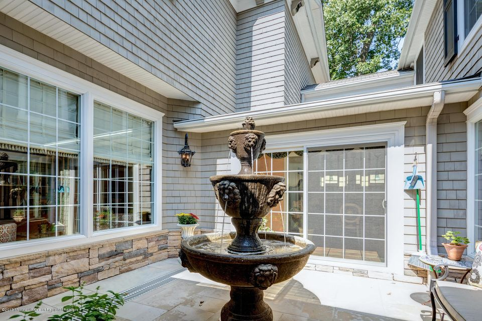221 Heyers Mill Rd Colts Neck-large-028-