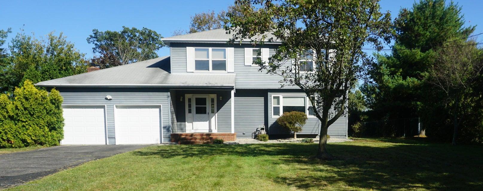 Casa para uma família para Venda às 100 Half Acre Road 100 Half Acre Road Monroe, Nova Jersey 08831 Estados Unidos