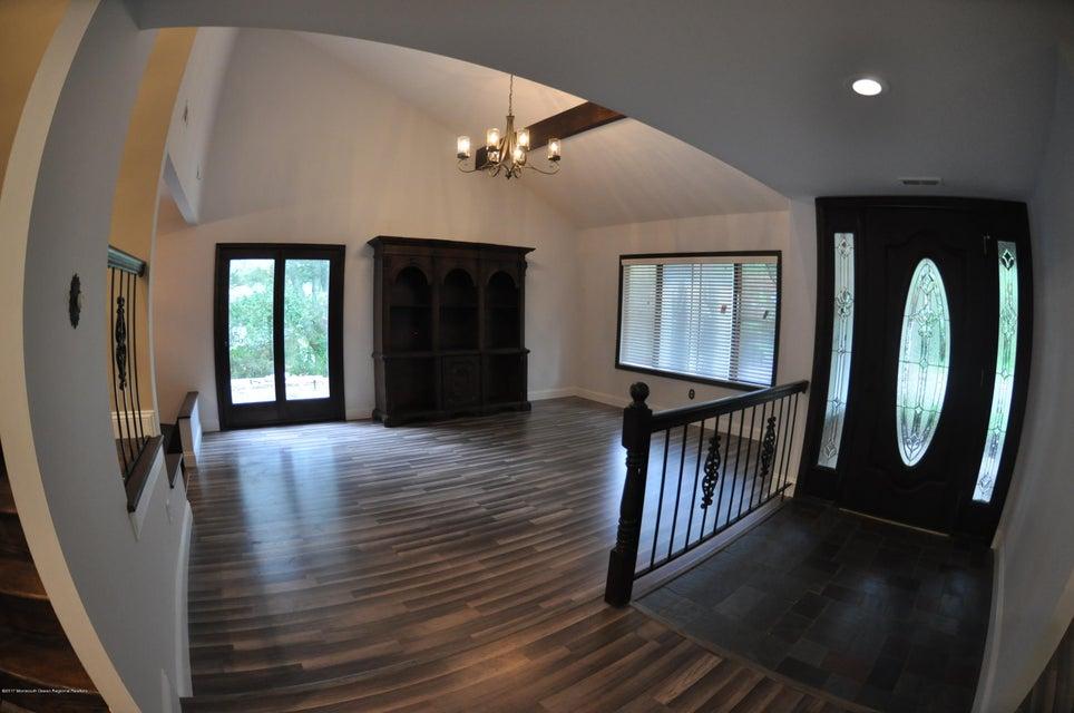 Maison unifamiliale pour l à louer à 57 Sapphire Lane 57 Sapphire Lane Matawan, New Jersey 07747 États-Unis