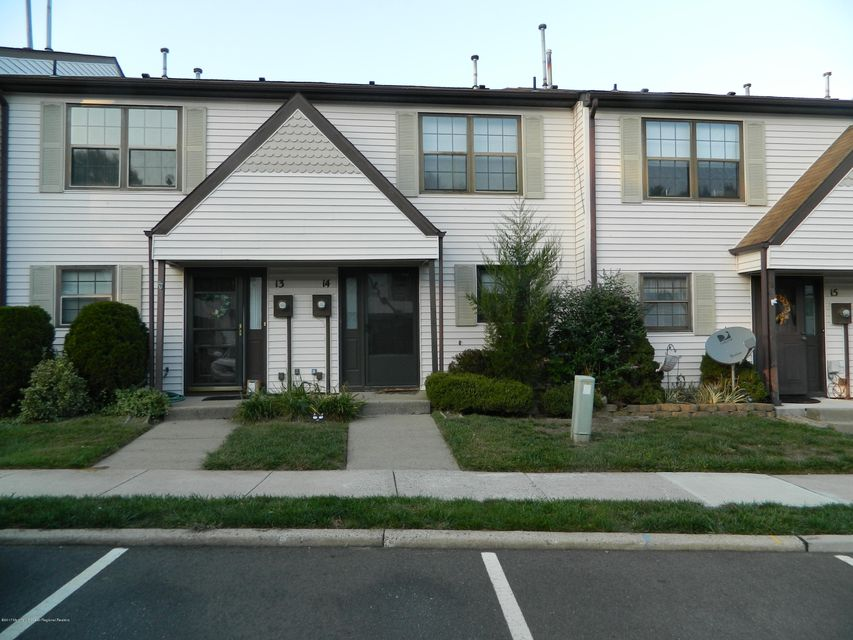 Condominium for Rent at 14 King Charles Court 14 King Charles Court Englishtown, New Jersey 07726 United States