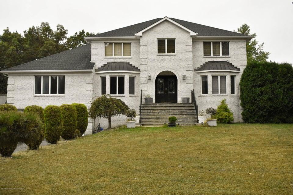 Casa Unifamiliar por un Alquiler en 3 Walnut Lane 3 Walnut Lane Manalapan, Nueva Jersey 07726 Estados Unidos