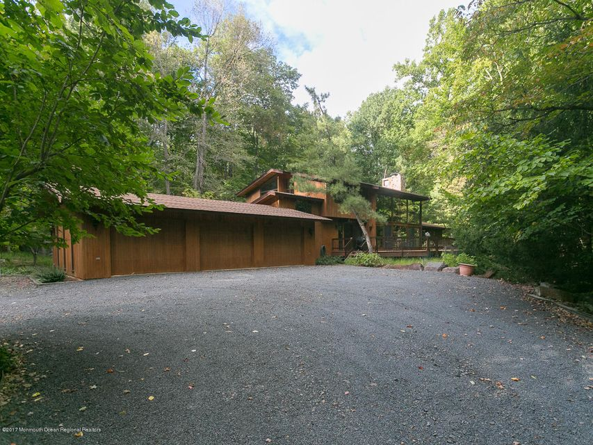 Additional photo for property listing at 727 Montgomery Road 727 Montgomery Road Hillsborough, New Jersey 08844 United States