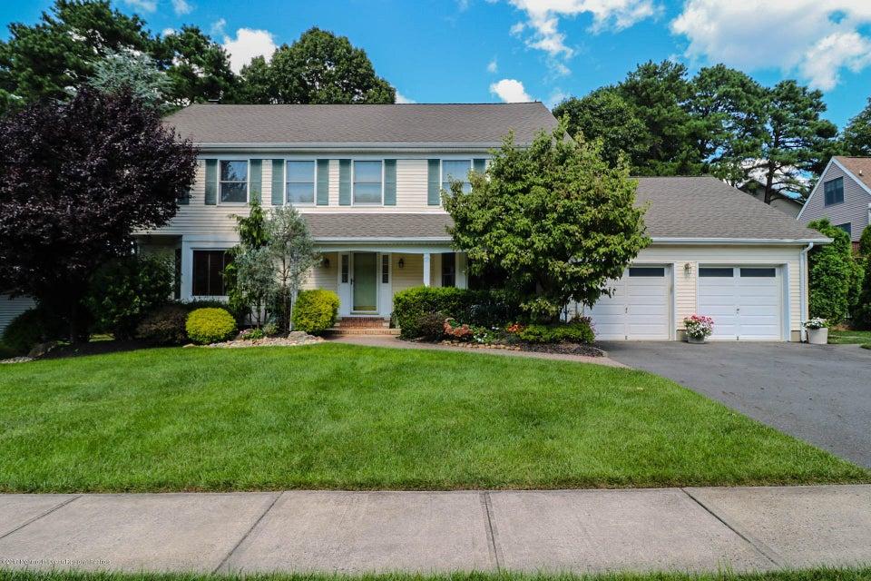 Einfamilienhaus für Verkauf beim 151 Moetz Drive 151 Moetz Drive Milltown, New Jersey 08850 Vereinigte Staaten