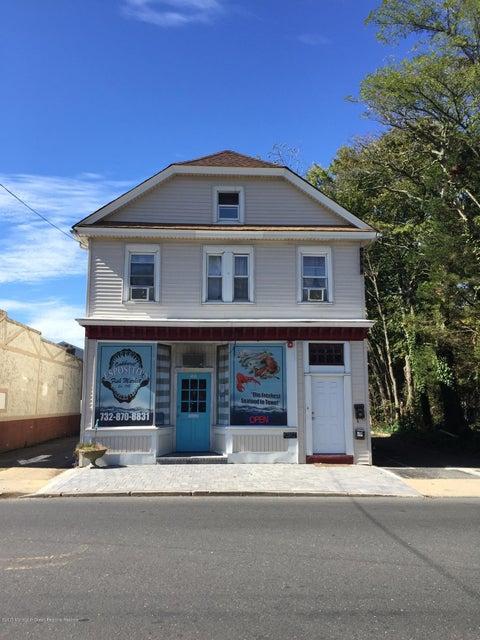 公寓 为 出租 在 48 Monmouth Road 48 Monmouth Road Oakhurst, 新泽西州 07755 美国