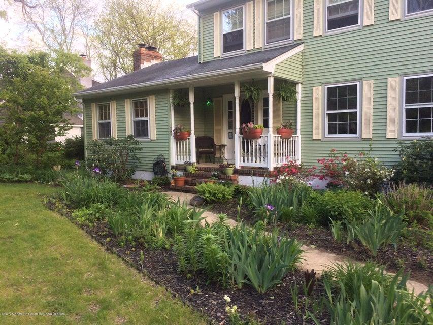 Частный односемейный дом для того Продажа на 12 Maxson Avenue 12 Maxson Avenue Locust, Нью-Джерси 07760 Соединенные Штаты