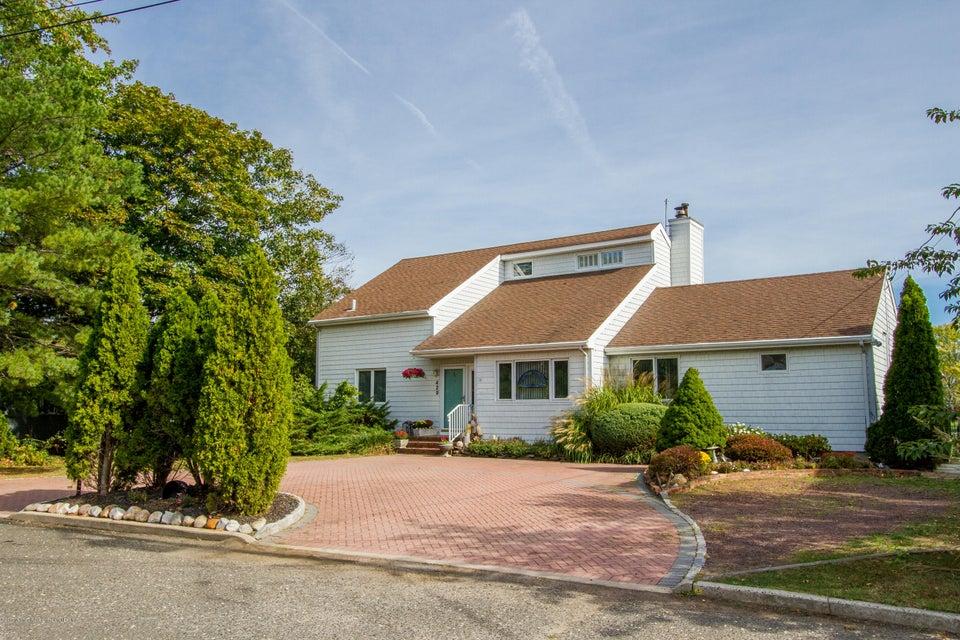 Villa per Vendita alle ore 429 River Street 429 River Street Oceanport, New Jersey 07757 Stati Uniti