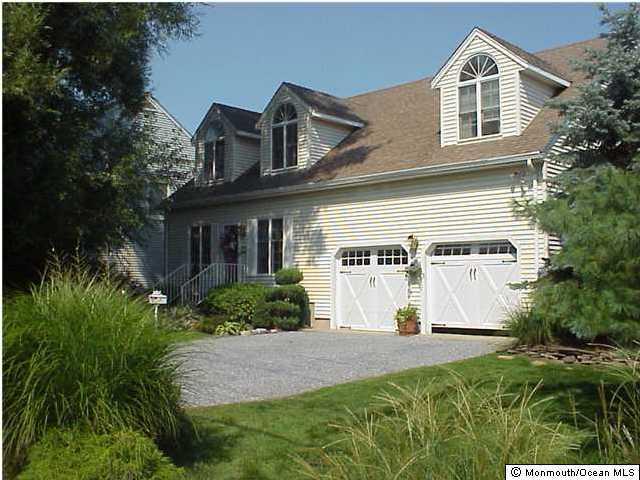 独户住宅 为 出租 在 17 Hastings Place 17 Hastings Place 蒙莫斯郡, 新泽西州 07750 美国