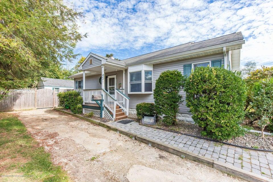 Einfamilienhaus für Verkauf beim 47 Park Avenue 47 Park Avenue Belford, New Jersey 07718 Vereinigte Staaten