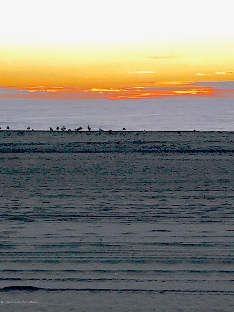 獨棟家庭住宅 為 出售 在 1319 Ocean Front 1319 Ocean Front Point Pleasant Beach, 新澤西州 08742 美國