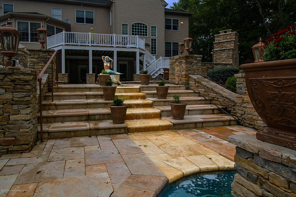 Patio with Water Cascade Highlighted